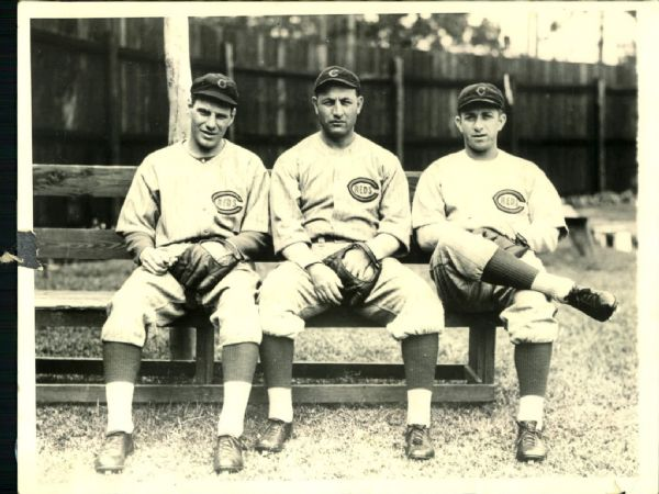"1930 Leo Durocher on the left ""The Chicago Sun Times Archives"" Original 6"" x 8"" Photo (Chicago Sun Times Archive Hologram/MEARS Photo LOA)"